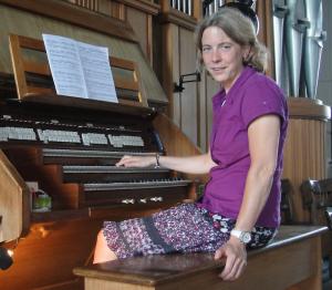 """Spielt """"Unerhörtes"""" auf der Ott-Orgel: Dekanatskantorin Wiebke Friedrich"""
