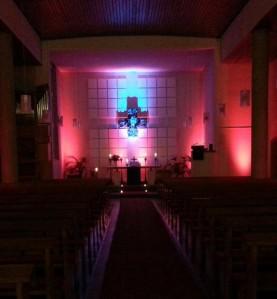 Die Christuskirche ist zum Taizé-Gottesdienst wieder stimmungsvoll beleuchtet.